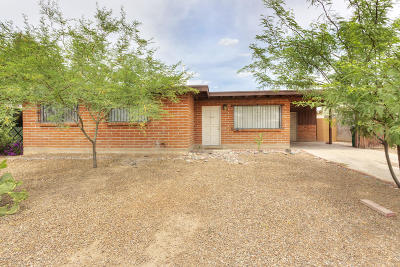Tucson Single Family Home Active Contingent: 2032 W Hadley Street