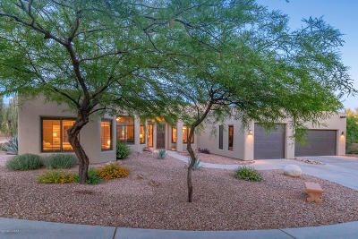 Oro Valley Single Family Home Active Contingent: 949 W Painted Clouds Place