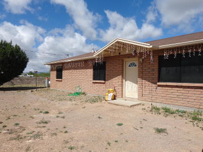 Rio Rico Single Family Home Active Contingent: 233 Paseo Sombrilla