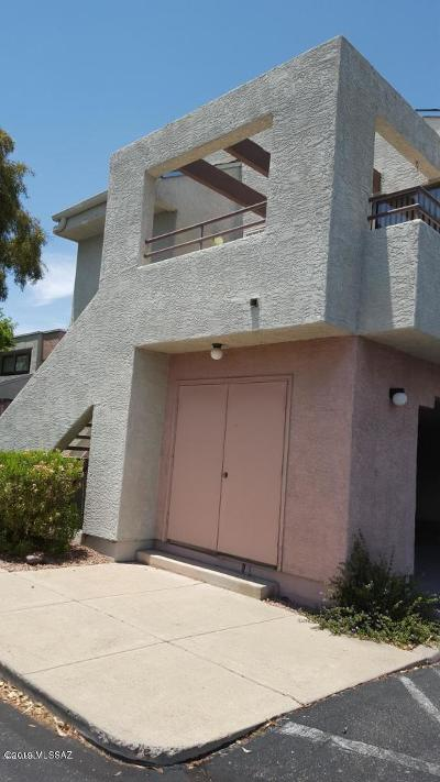 Pima County Condo For Sale: 7615 E Calisto Circle Circle #69