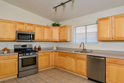 Oro Valley Single Family Home Active Contingent: 12261 N Brightridge Drive