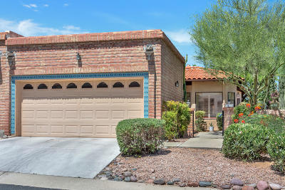 Oro Valley Townhouse Active Contingent: 10123 N Spyglass Place