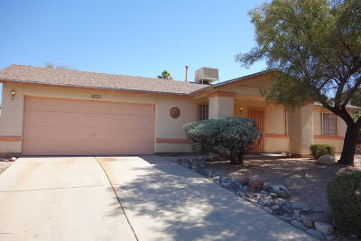 Pima County Single Family Home Active Contingent: 6809 N De Chelly Loop
