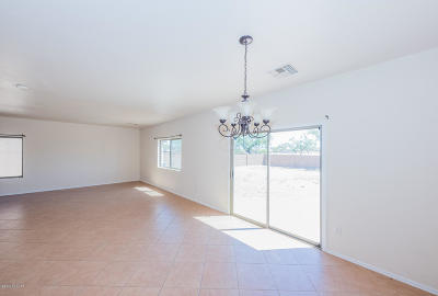 Tucson AZ Single Family Home Active Contingent: $169,500