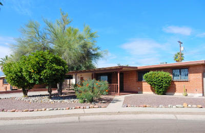 Pima County, Pinal County Single Family Home Active Contingent: 7161 E 32nd Place