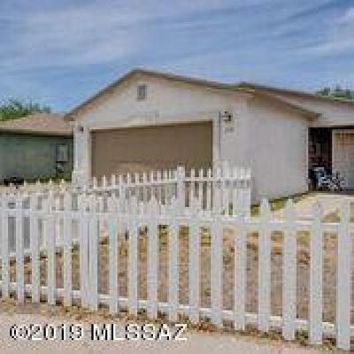 Pima County Single Family Home Active Contingent: 777 E Calle Bayona