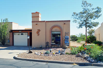 Green Valley Townhouse Active Contingent: 1300 W Camino Lucientes