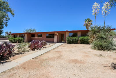 Pima County Single Family Home Active Contingent: 8358 N Dawn Place