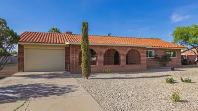 Pima County Single Family Home For Sale: 3915 E Camino De La Colina
