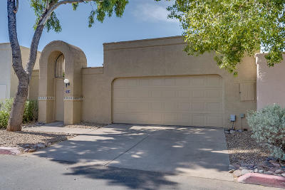 Pima County Townhouse For Sale: 7534 E Beach Drive