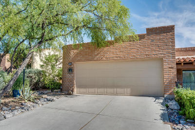 Pima County, Pinal County Townhouse For Sale: 6240 E Frontier Place