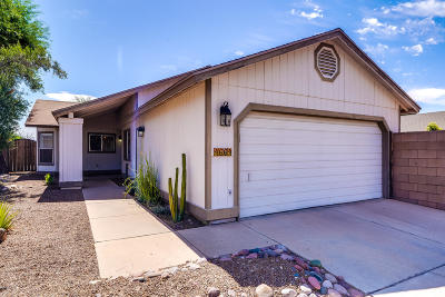 Pima County Single Family Home Active Contingent: 4664 N Warner Terrace