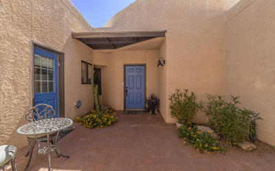 Pima County Townhouse For Sale: 621 N Richey Boulevard