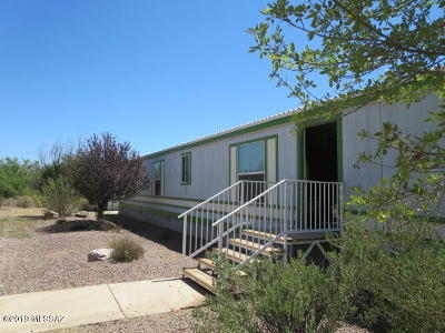 Manufactured Home Active Contingent: 437 S Flynn Road