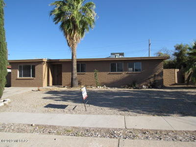 Tucson Single Family Home Active Contingent: 8008 E Nicaragua Drive