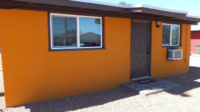 Single Family Home Active Contingent: 433 W Pelaar Drive