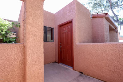Tucson Condo For Sale: 5051 N Sabino Canyon Road #2124