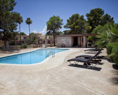 Tucson Townhouse Active Contingent: 6658 E Calle Alegria #D