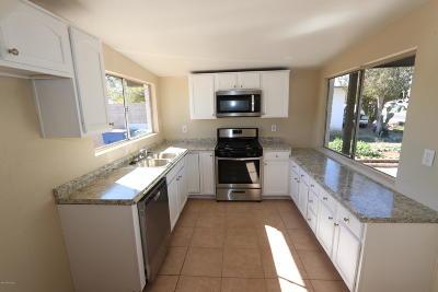 Tucson, Oro Valley, Marana, Sahuarita, Vail Single Family Home Active Contingent: 2126 E Hidalgo Vista