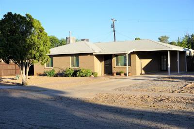Single Family Home Active Contingent: 5366 E Eastland Street