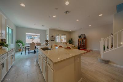 Oro Valley Single Family Home For Sale: 179 E Brookdale Way