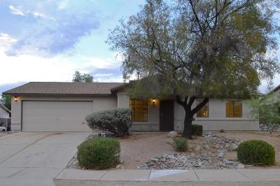 Tucson Single Family Home Active Contingent: 6809 N De Chelly Loop