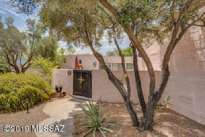 Green Valley Single Family Home Active Contingent: 21 W Paseo Canasta