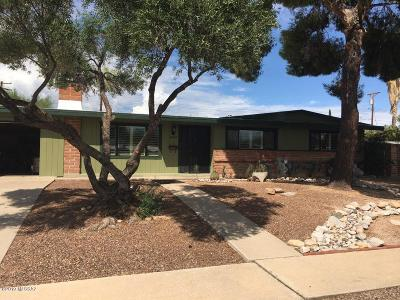 Tucson Single Family Home Active Contingent: 6847 E Paseo San Andres