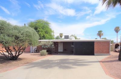 Pima County Single Family Home Active Contingent: 6122 E Beverly Street E