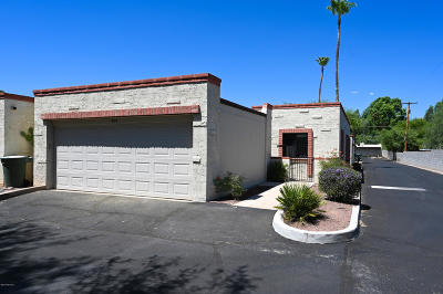 Pima County, Pinal County Townhouse For Sale: 4144 N Via Villas