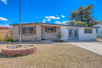 Pima County Single Family Home For Sale: 5056 E Adams Street