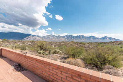 Oro Valley Townhouse Active Contingent: 13886 N Green Tree Drive