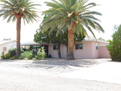 Single Family Home Active Contingent: 5784 E Eastland Street