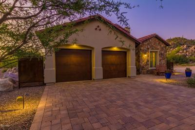 Oro Valley Single Family Home Active Contingent: 14319 N Mickelson Canyon Court