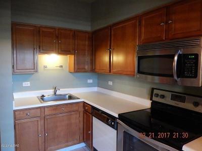 Tucson Condo For Sale: 7777 E Golf Links Road #2204