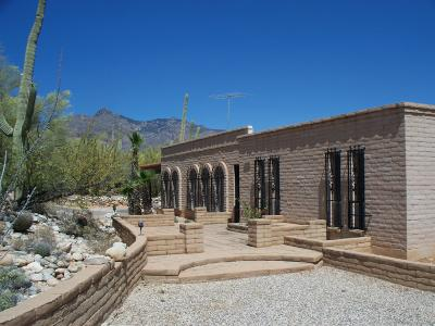 Tucson Single Family Home Active Contingent: 6520 N Camino De La Karina