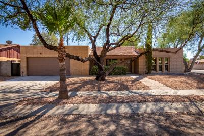 Tucson Single Family Home Active Contingent: 7600 E Dos Mujeres Road