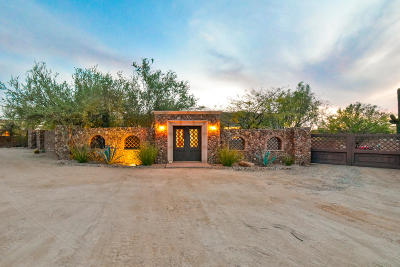 Tucson Single Family Home Active Contingent: 5000 W Camino De Manana