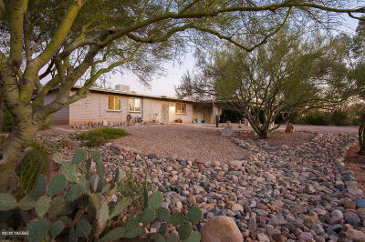 Oro Valley Single Family Home Active Contingent: 9322 N Rancho Verde Drive