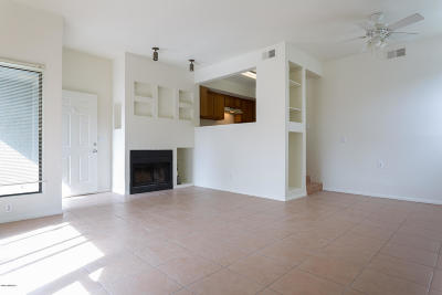 Tucson Condo Active Contingent: 2744 N Country Club Road #109
