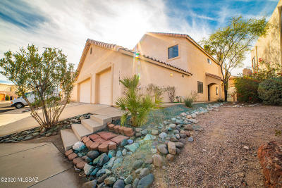 Oro Valley Single Family Home Active Contingent: 11841 N Desert Slopes Way