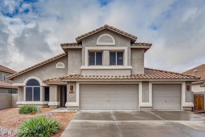 Oro Valley Single Family Home Active Contingent: 12761 N Lantern Way