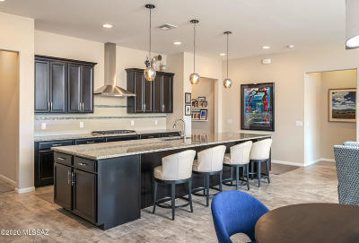 Oro Valley Townhouse Active Contingent: 112 W Antelope Canyon Place #63