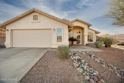 Oro Valley Single Family Home Active Contingent: 11845 N Cassiopeia Drive