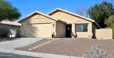 Oro Valley Single Family Home Active Contingent: 2060 W Double Eagle Drive