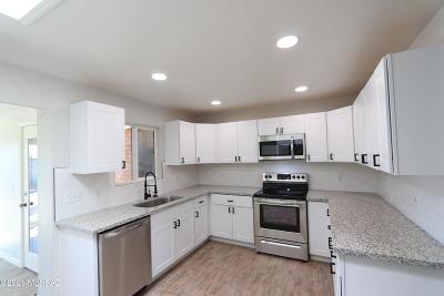 Tucson Single Family Home For Sale: 4402 E La Jolla Circle