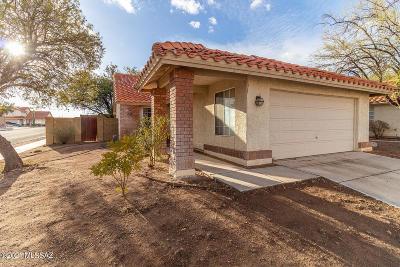 Tucson Single Family Home For Sale: 9590 E Stonehaven Way