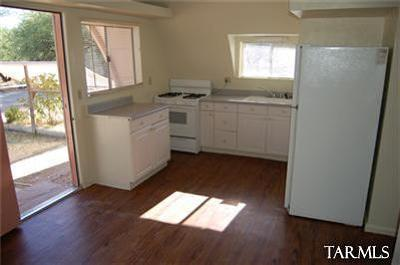Tucson Single Family Home Active Contingent: 10880 E Tanque Verde Road