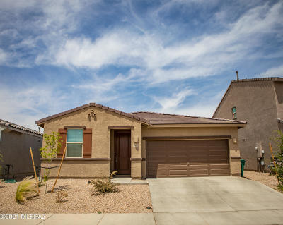 Marana Single Family Home Active Contingent: 10692 W Hayward Drive
