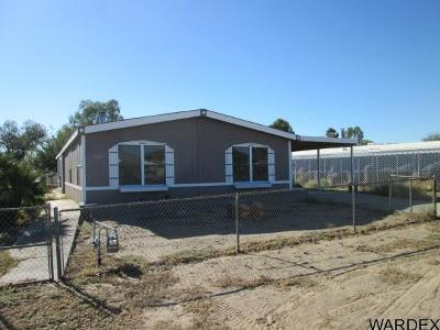 Mohave Valley Manufactured Home For Sale: 1042 E Spruce Dr